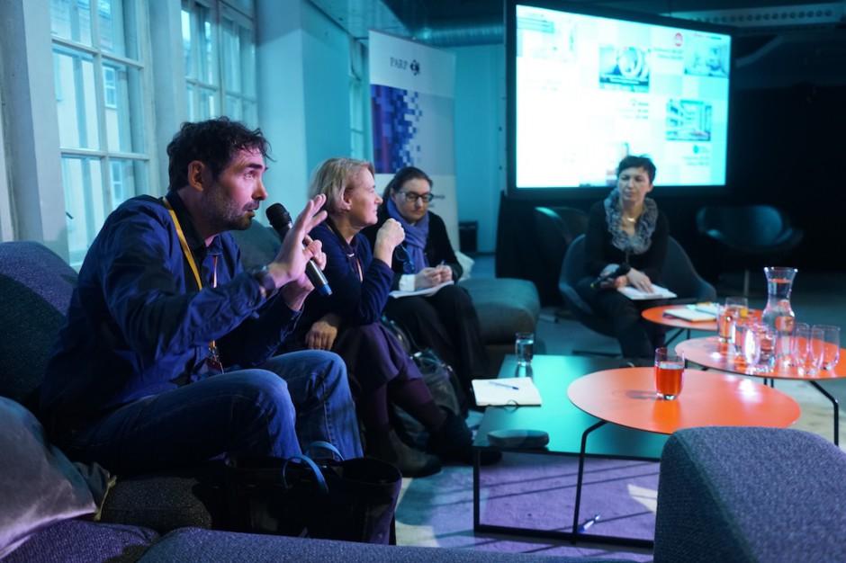 Jak inwestować we wzornictwo z udziałem dotacji? - sesja dyskusyjna PARP na FDD