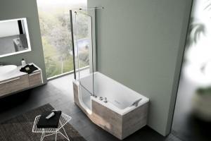 Sposób na małą łazienkę: wanna z parawanem
