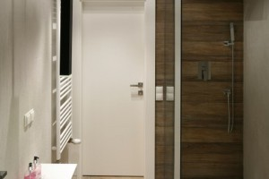 Strefa prysznica w narożniku: tak urządzają inni
