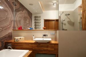 Rysunek kamienia w łazience: 10 zdjęć z polskich domów