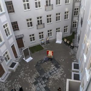 Reprodukcja obrazu Wojciecha Siudmaka na płytach Ceramiki Tubądzin ozdobi 3 łódzkie budynki