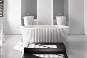 Wanna wolno stojąca: 5 eleganckich modeli w bieli