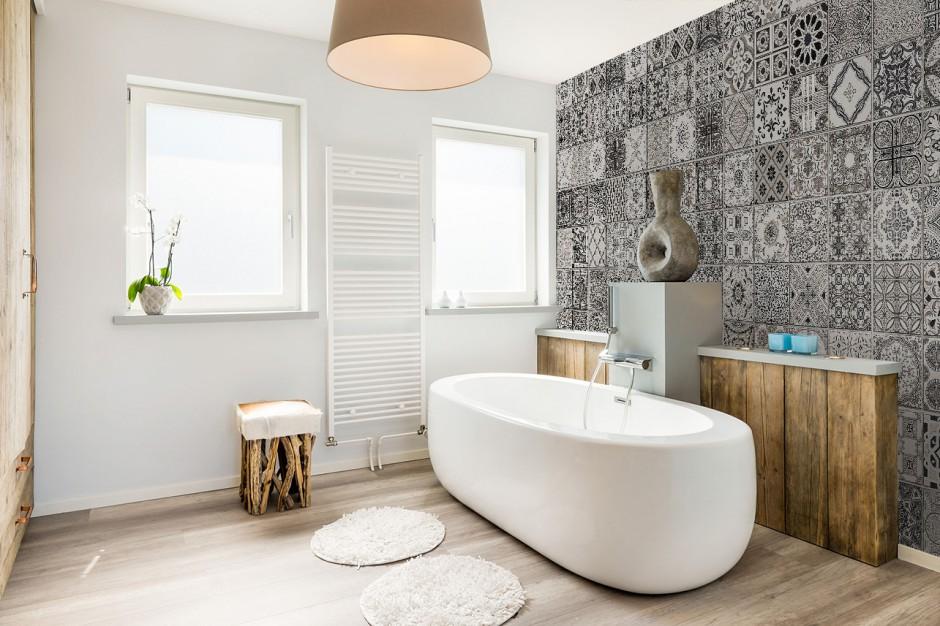 Ekspert radzi: Fototapeta w łazience - jak prawidłowo ją zamontować