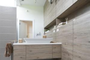 Szafka podumywalkowa: 12 pomysłów z polskich łazienek