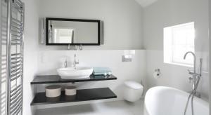 Czarno-biała łazienka: 12 zdjęć z polskich domów