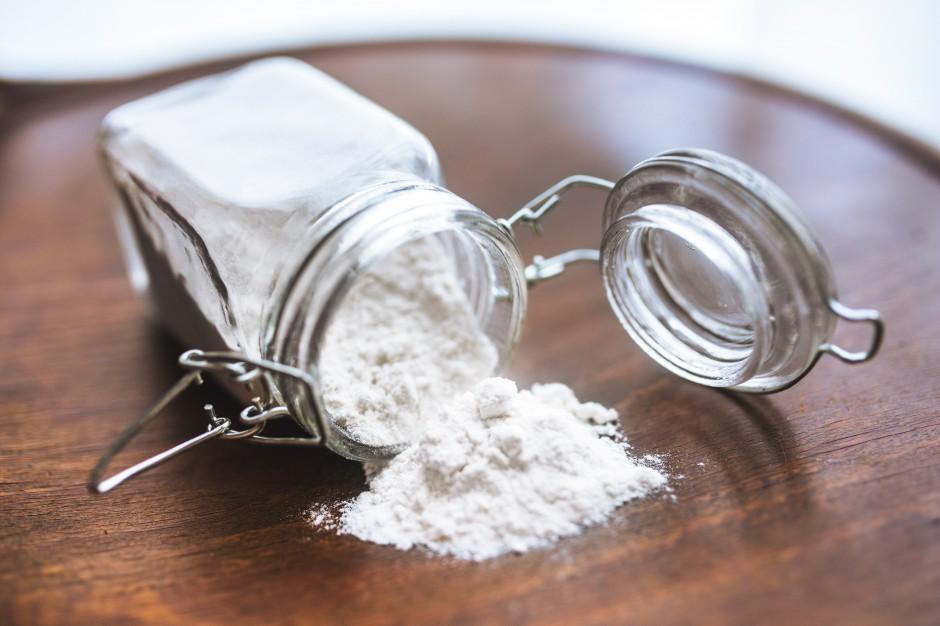 Przedświąteczne porządki w łazience: tak wykorzystasz sodę oczyszczoną