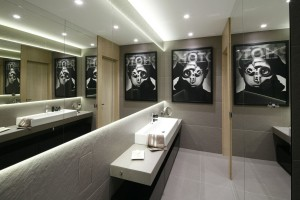 Ściana w łazience: 12 pomysłów z polskich domów