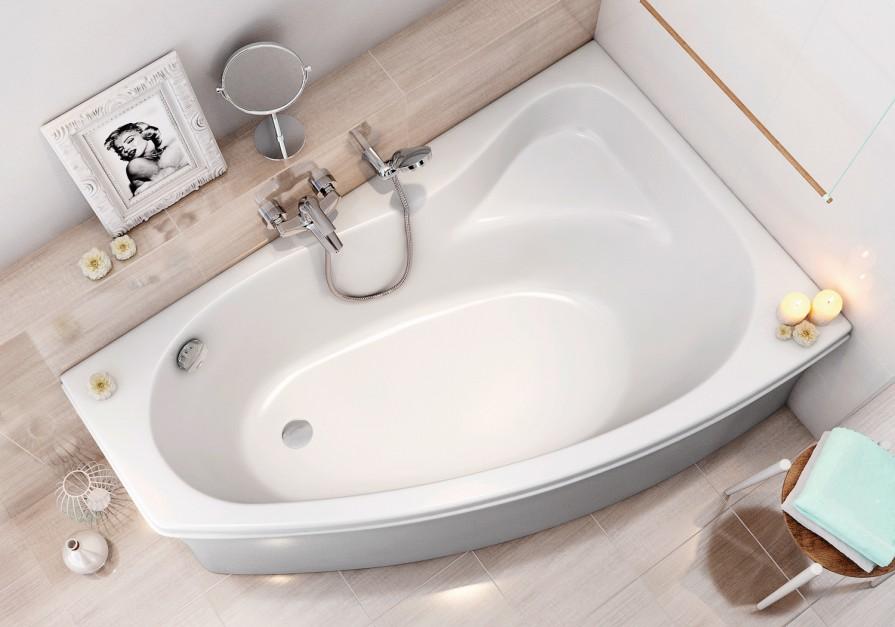 Mała łazienka: urządzamy strefę kąpieli [przegląd rozwiązań]