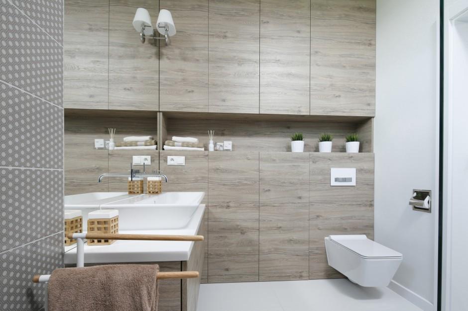 Łazienka ocieplona drewnem: 12 zdjęć z polskich domów