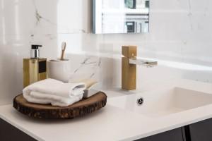 4 pomysły na drewniany akcent w łazience