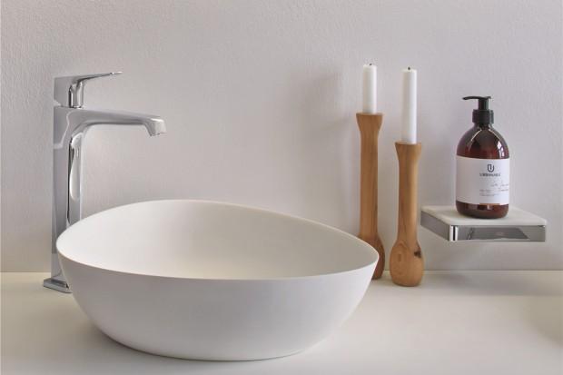 Umywalki stawiane na blat: 10 różnych modeli