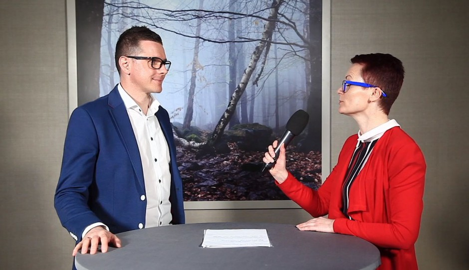 [Wideo] Tomasz Słomka z TOKA+HOME o projektowaniu łazienek dla osób 50+