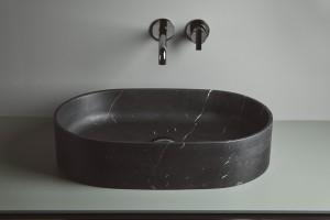 Kamień w łazience: 3 modele umywalek z czarnego marmuru