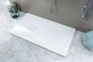 Nowoczesna strefa prysznica: wybierz brodzik na wymiar