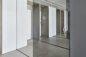 Szara łazienka: zobacz projekt w nowoczesnym stylu
