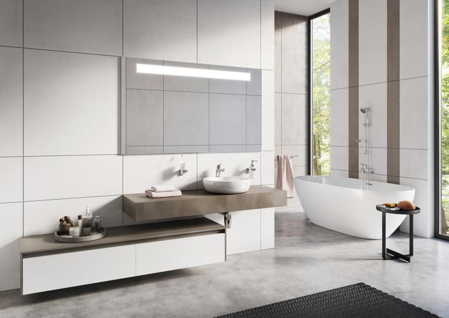 Biała łazienka: armatura, która doda jej charakteru