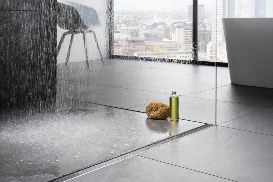 Nowoczesna łazienka: wybierz prysznic bez brodzika
