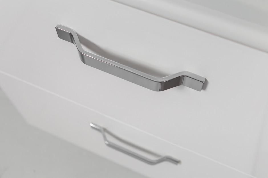 Nowoczesne meble łazienkowe: dobierz do nich uchwyty