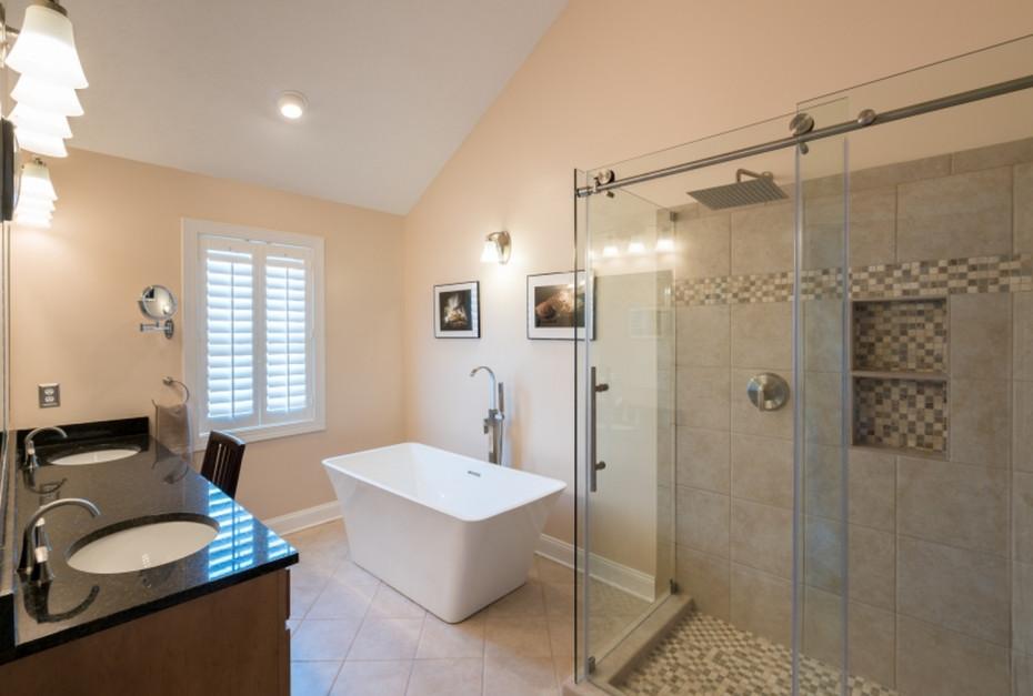 Funkcjonalna strefa prysznica: postaw na system przesuwny