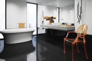 Czarno-biała łazienka: 5 kolekcji płytek