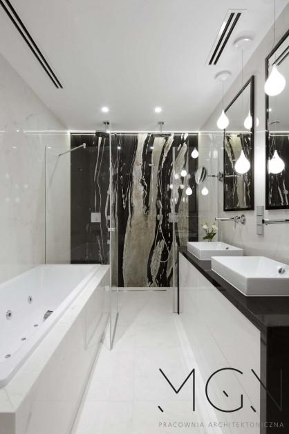Łazienka dobrze doświetlona. Czyli jaka?
