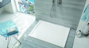 Nowoczesna strefa prysznica: postaw na brodzik z odlewu mineralnego