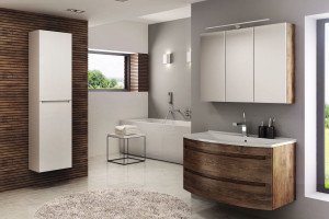 Meble łazienkowe: 5 kolekcji w kolorze drewna
