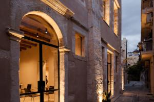 Dizajnerskie baterie łazienkowe w zabytkowym, greckim hotelu