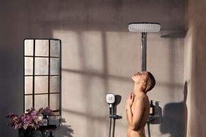 Domowe wellness pod prysznicem: nowy model baterii natryskowej