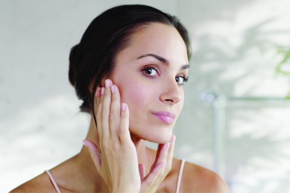 Tajniki pięknej skóry twarzy: poznaj urządzenie z nasadką oklepującą