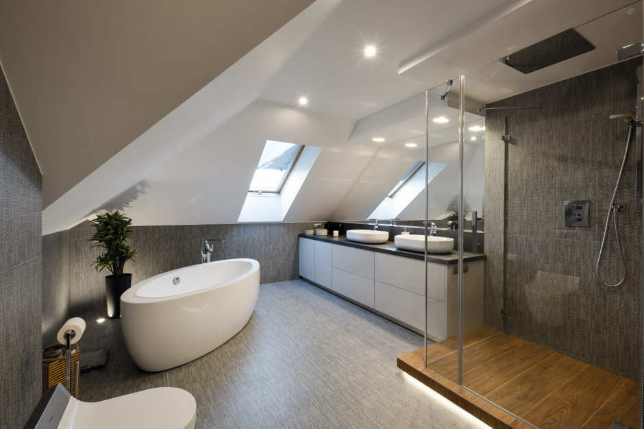 Domowy salon kąpielowy: zobacz zdjęcia przed i po remoncie!