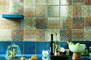 Łazienka w stylu hiszpańskim: wybieramy płytki