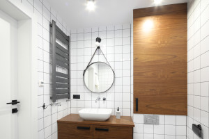 Łazienka ocieplona drewnem: 20 zdjęć z polskich domów