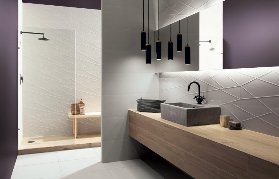 Metale szlachetne w łazience: płytki ozdobione platyną i złotem