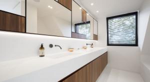 Odświeżona willa z nowoczesnymi łazienkami