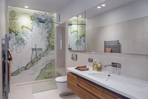 Nowoczesna łazienka: wybierz dobrej jakości szkło