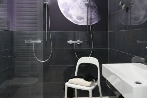 Czarno-biała łazienka: inspiracje z polskich domów