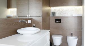 Wnęki i nisze w łazience: pomysły z polskich domów