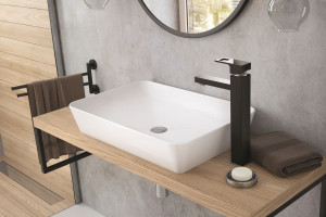 Umywalki stawiane na blat: 6 modeli w białym kolorze