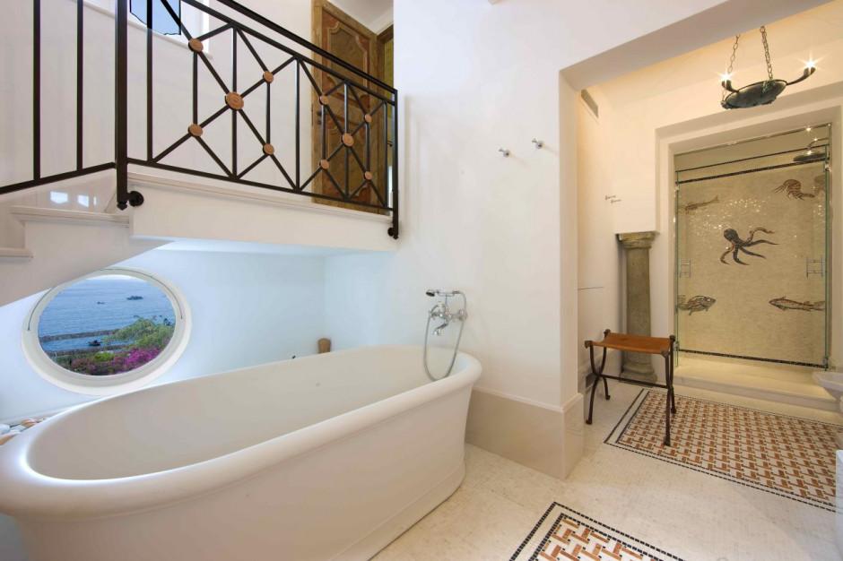 Hotelowe łazienki z artystycznym charakterem