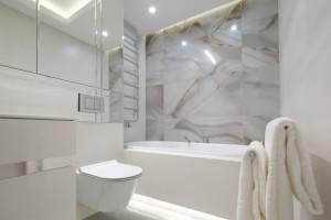 Jasna łazienka: piękne projekty z polskich domów