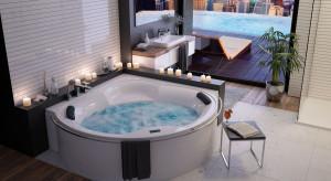 Relaks w łazience: postaw na wannę z hydromasażem