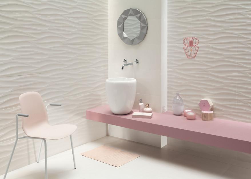 Living Coral w łazience: pomysł na aranżację z kolorem roku 2019