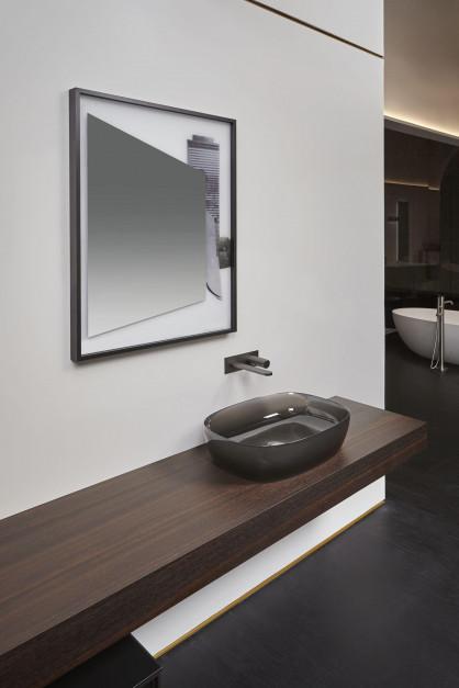 Design w łazience: piękne lustra od włoskiej marki