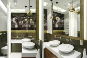 Ściana w łazience: postaw na fototapetę