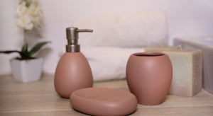 Detal w łazience: eleganckie akcesoria z ceramiki
