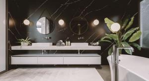 Elegancka, modna łazienka: postaw na czerń i rysunek kamienia