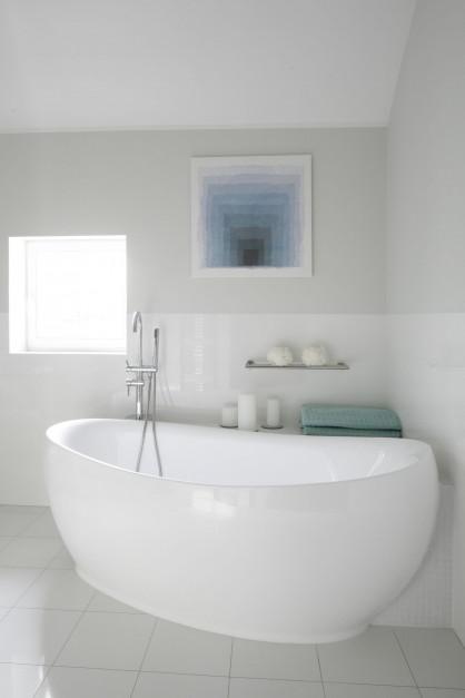 Biała łazienka: piękne projekty z polskich domów