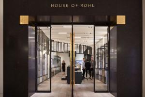 Elegancki showroom łazienkowy House of Rohl