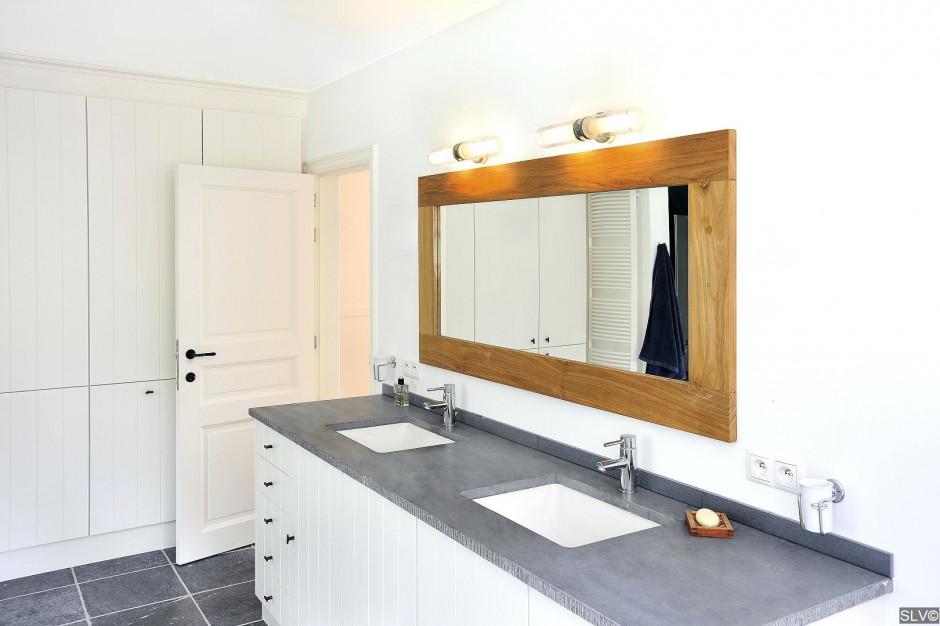 Dobór odpowiedniego oświetlenia w łazience. Na co zwrócić uwagę?